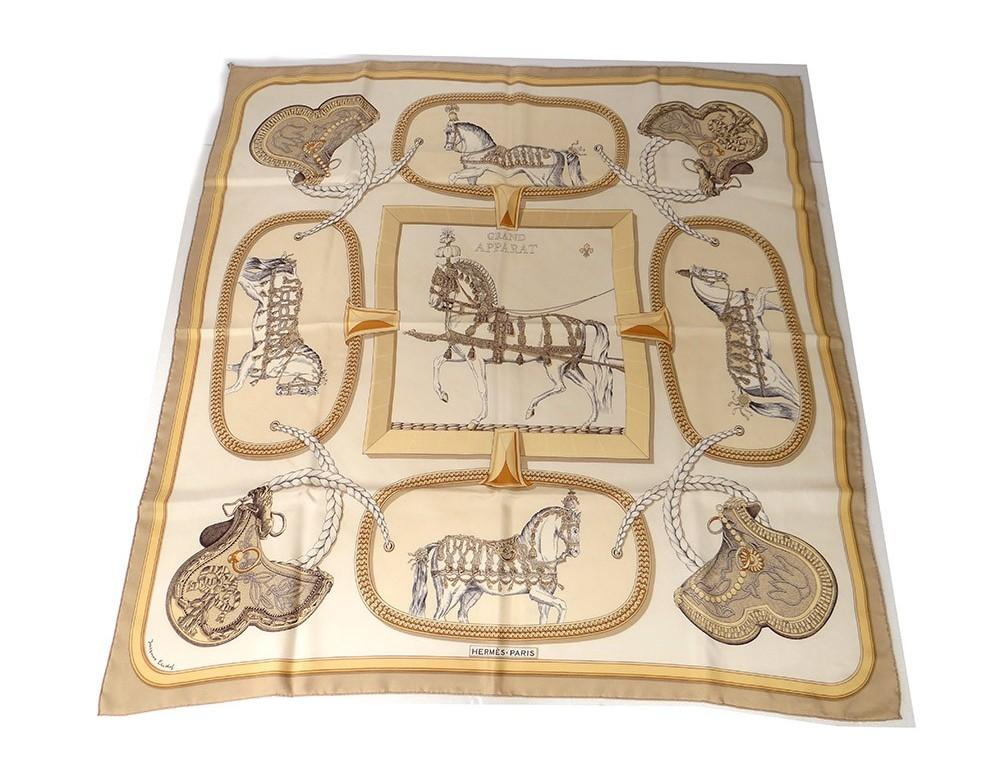 Agrandir. Précédent. Carré soie foulard Hermès Paris Grand Apparat chevaux  ... a62ff5cc06c