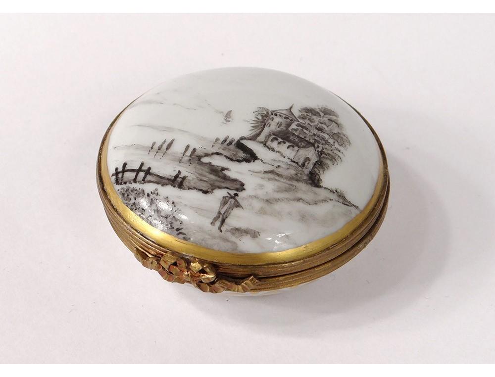 Small pill box porcelain Limoges flowers brass gilding twentieth century