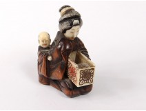 Netsuke boxwood ivory carved woman child box Japan Meiji nineteenth century