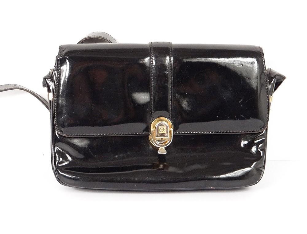 849a1acd68 ... main pochette bandoulière cuir noir Céline Paris vintage XXè. Agrandir