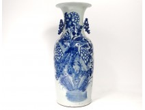 Large vase balustrade Chinese porcelain white-blue phoenix peacocks flowers nineteenth