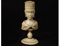 Ivory carved chess piece Queen african oriental nineteenth crown