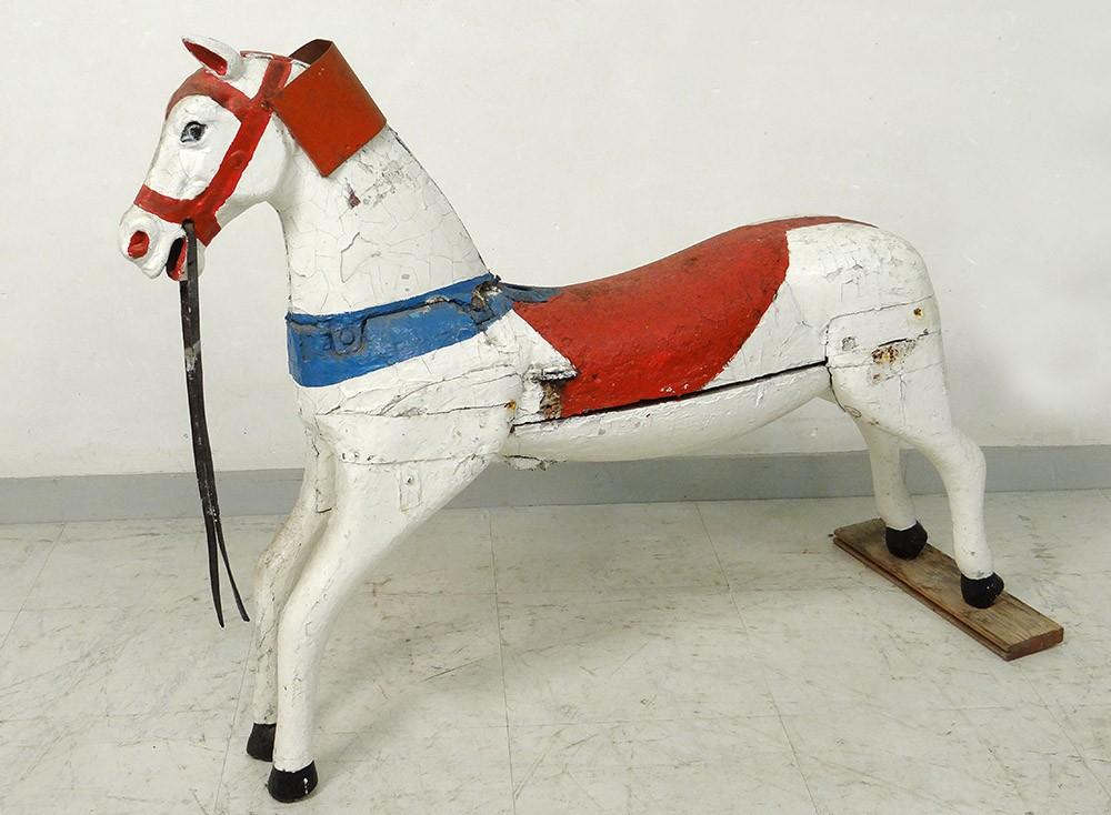 032664261b7 Cheval de manège carroussel bois sculpté polychrome XIXème siècle