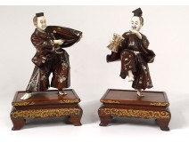 Pair okimonos ivory boxwood theater actors Kabuki Meiji Japan signed nineteenth