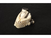 Netsuke Katabori ivory carved man basket Japan Meiji signed nineteenth century