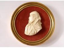 Miniature bas-relief ivory portrait Catherine de Medici Heckmann Paris 20th