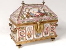 Large porcelain cabinet Capodimonte ancient mythology Goddesses goddesses nineteenth