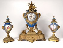 Pendulum clock bronze gilded porcelain Sèvres rams Napoleon III nineteenth