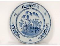Large porcelain dish Company India China white-blue garden Kangxi XVIII
