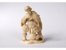 Small miniature sculpture ivory Dieppe character king mage kneeling eighteenth