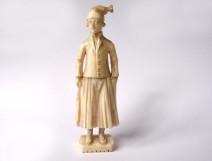Small ivory miniature sculpture Dieppe sitting woman Polletaise XIXth century