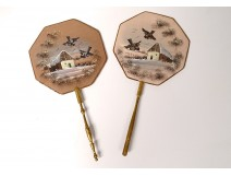 Pair of hand-held fan screens, gilded wood, gouaches, birds, 19th century