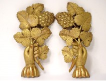 Pair of decorative elements of gilded wood decoration hands grapes vine XIXth
