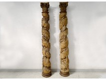 2 large wooden columns carved with grape birds XVIIth Corinthian capital