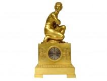Large bronze pendulum Venus squatting Coysevox Devaulx XIXth Restoration