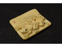 Netsuke carved ivory plate signed Tomokazu frogs Japan Edo XIXth