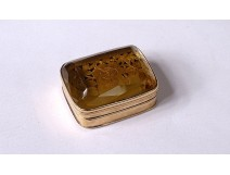 Small 18-karat solid gold vinaigrette box with 18th century citrine flowers