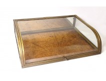 Showcase presentation flat curved glass brass Ateliers William Paris XIXth
