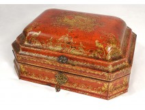 Louis XV wig box red lacquered wood gilding birds arabesques eighteenth