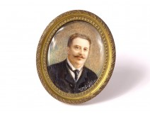 Oval painted miniature portrait man notable tie signed nineteenth frame