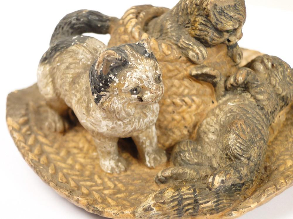 Sculpture en terre cuite chats sur un chapeau de paille 20e ebay - Chapeau cheminee terre cuite ...