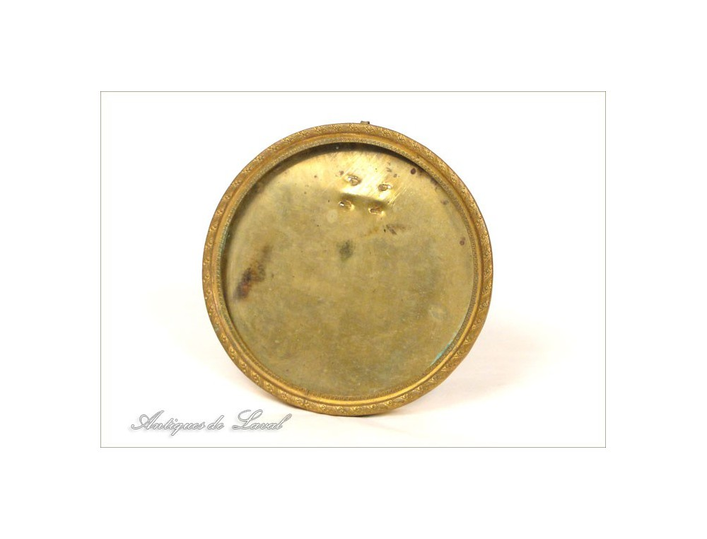 Round frame photo golden brass th