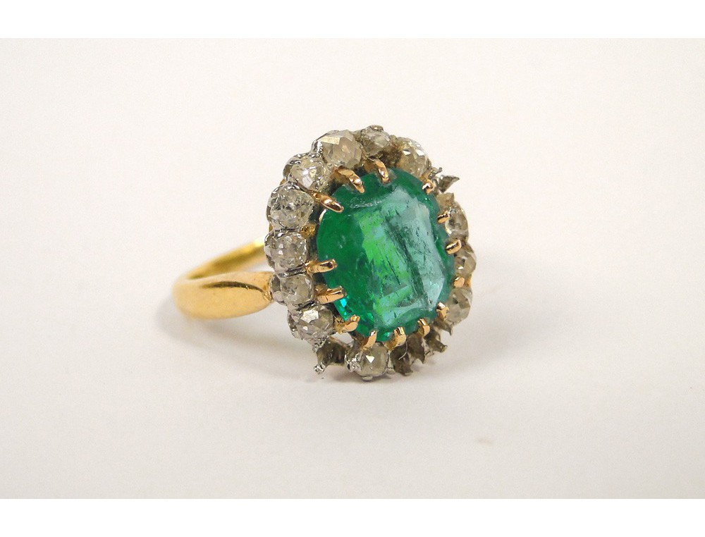 emerald ring yellow gold and jewelery