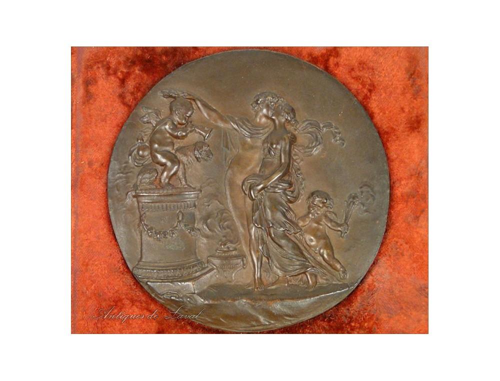Antique Bronze Plate Characters Kiss Cherubs 19th