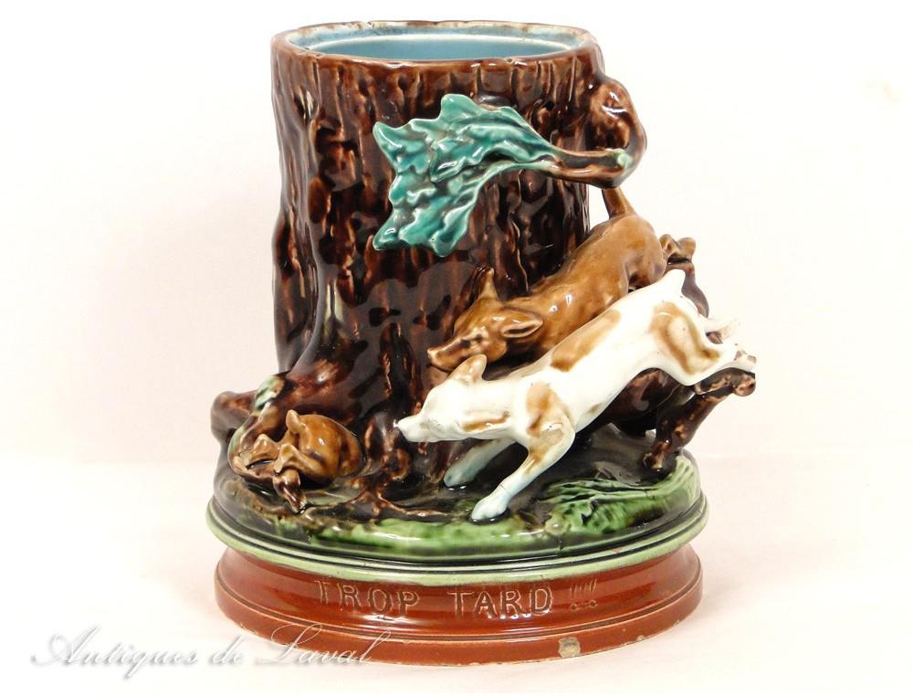 Majolica pot or tobacco Barbotine Sarreguemines with hunting