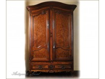 Louis XV armoire in mahogany, Furniture of Port, eighteenth century