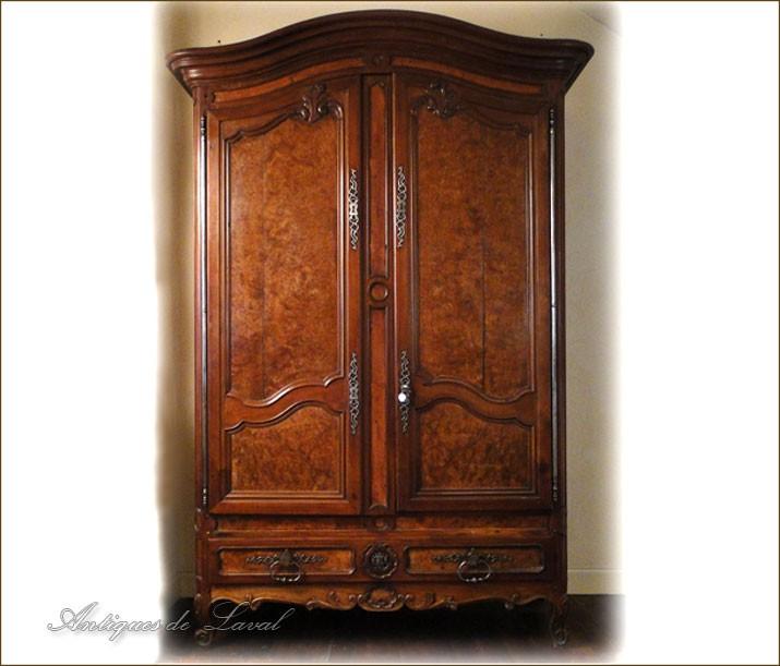 armoire louis xv en acajou massif meuble de port xviii. Black Bedroom Furniture Sets. Home Design Ideas