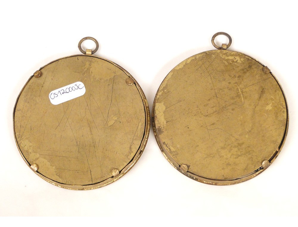 Pair of frames holder round brass photos th golden napiii
