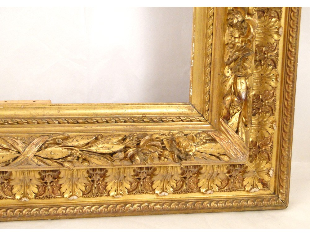 Stucco On Frame : Stucco golden wooden frame decorated with palms and roses