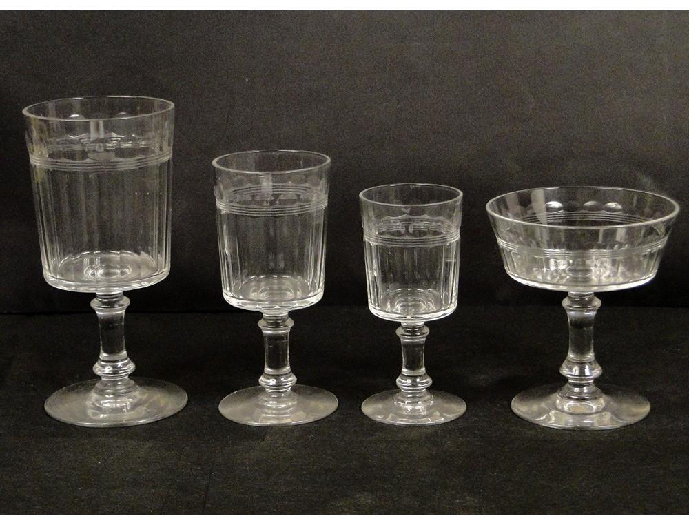 service of glasses and decanters crystal baccarat or st. Black Bedroom Furniture Sets. Home Design Ideas