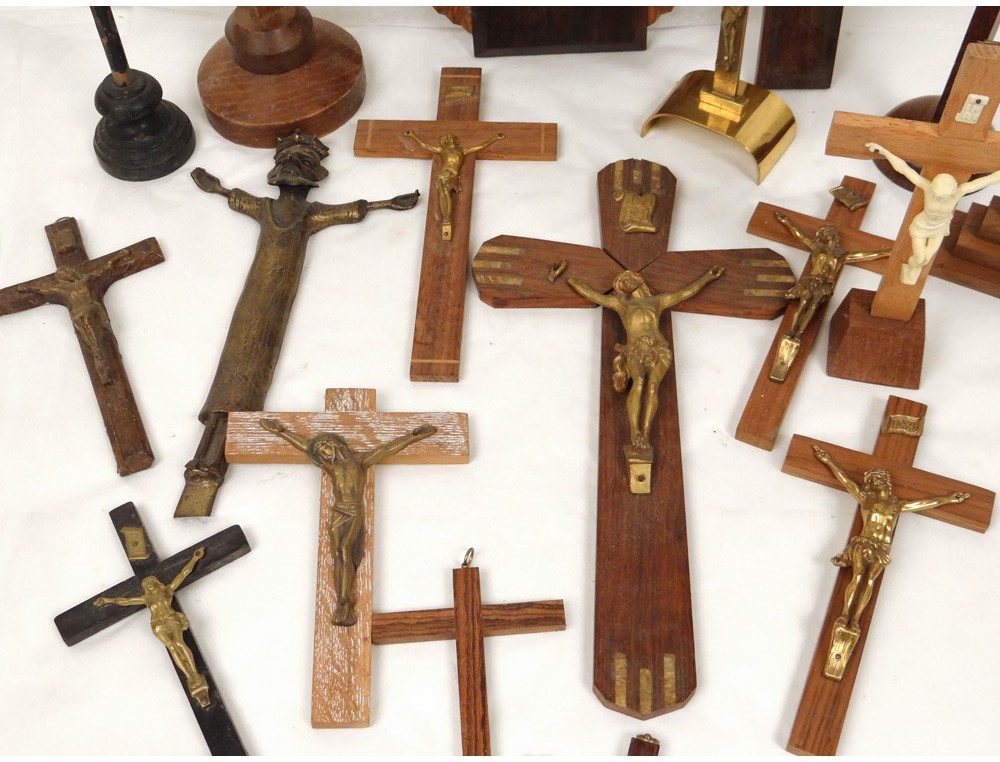 Lot 18 Christ Cross Crucifix Wood Carving Gilded Silver