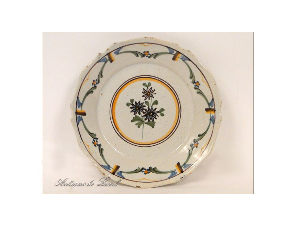 Earthenware plate nevers botanical decor eighteenth for Decoration faience