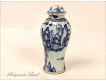 Covered pot Blue-White, India Company, seventeenth