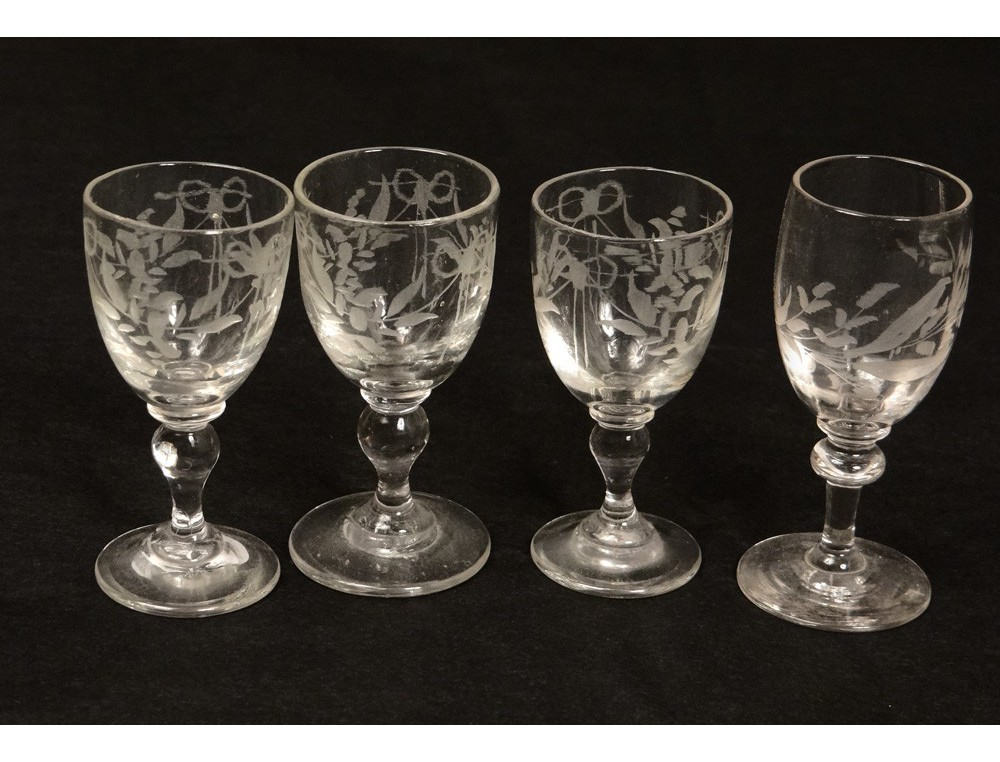 4 shot glasses engraved crystal glass flowers antique french glass nineteenth. Black Bedroom Furniture Sets. Home Design Ideas