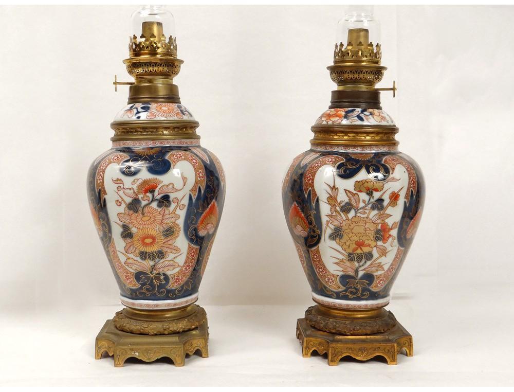 Paire Lampes Petrole Porcelaine Imari Japon Fleurs Chrysantheme