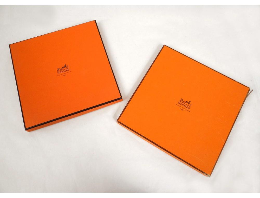 ... boîtes Hermès Paris foulard carré soie XXème siècle. Loading zoom.  Agrandir 8e3593d7203