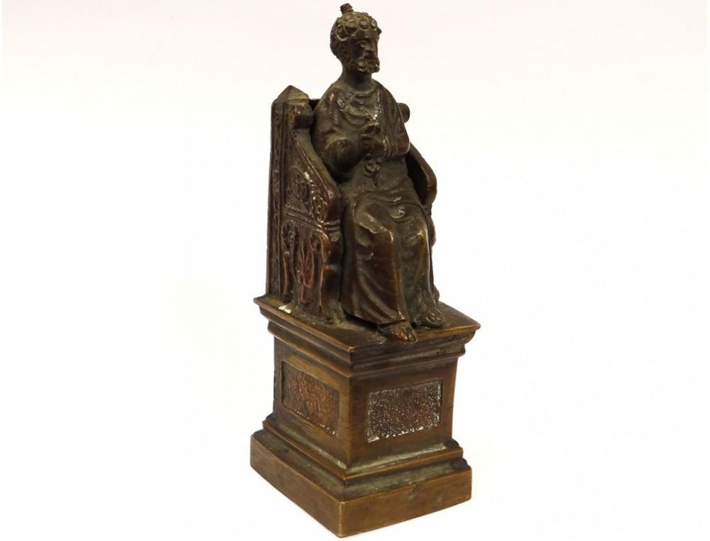 Statue bronze sculpture saint pierre throne key paradise