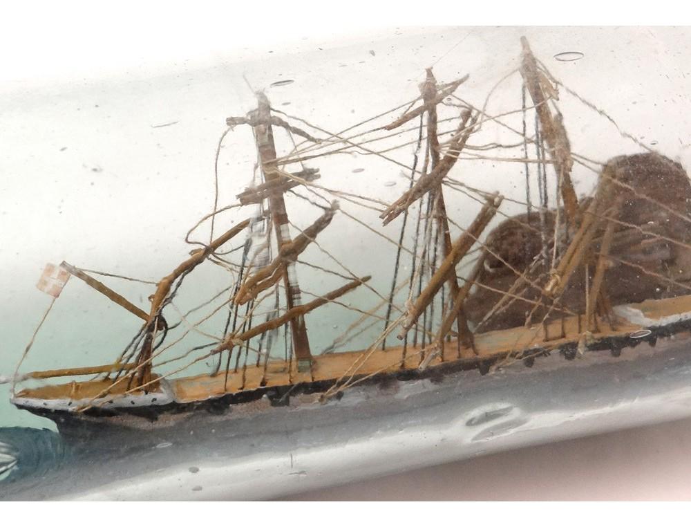 Maquette bateau diorama bouteille 4 mats falaise maison for Maquette de maison