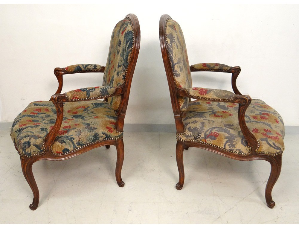 paire fauteuils louis xv noyer sculpt estampille meunier armchairs xviii. Black Bedroom Furniture Sets. Home Design Ideas