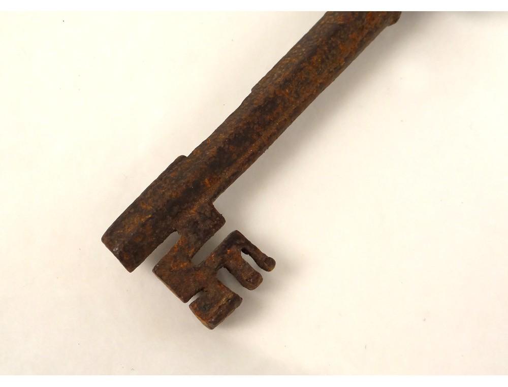 ... Clé clef ancienne fer forgé château antique key XVIIIème siècle