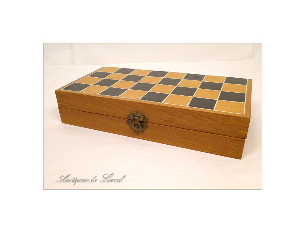 Ivory Chess Set Carved In Its Box 19th