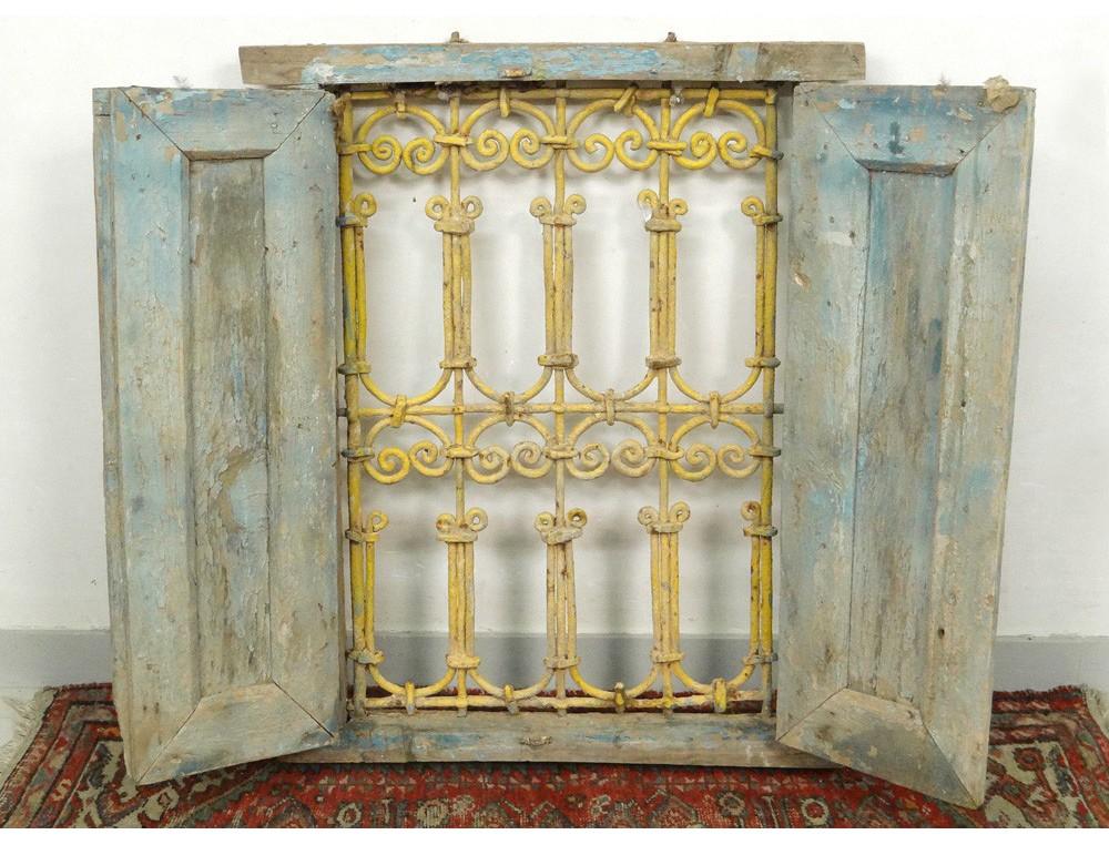 fen tre marocaine grille fer forg bois peint maroc maghreb atlas d co xx