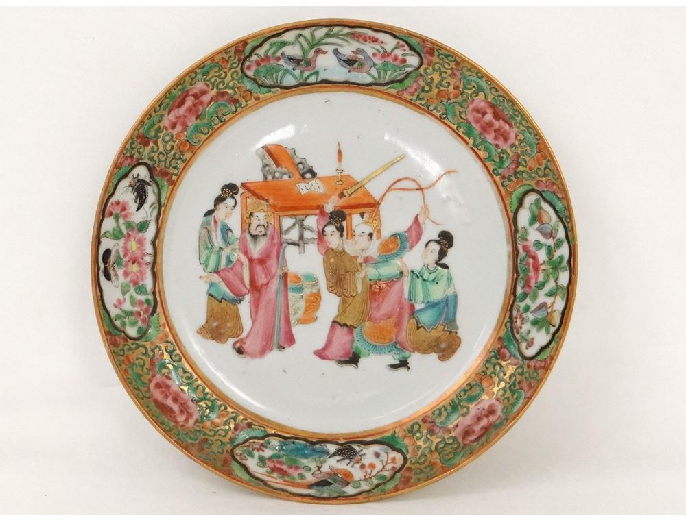 assiette-porcelaine-canton-personnages-mandarins-bureau-geishas-chine-xixe
