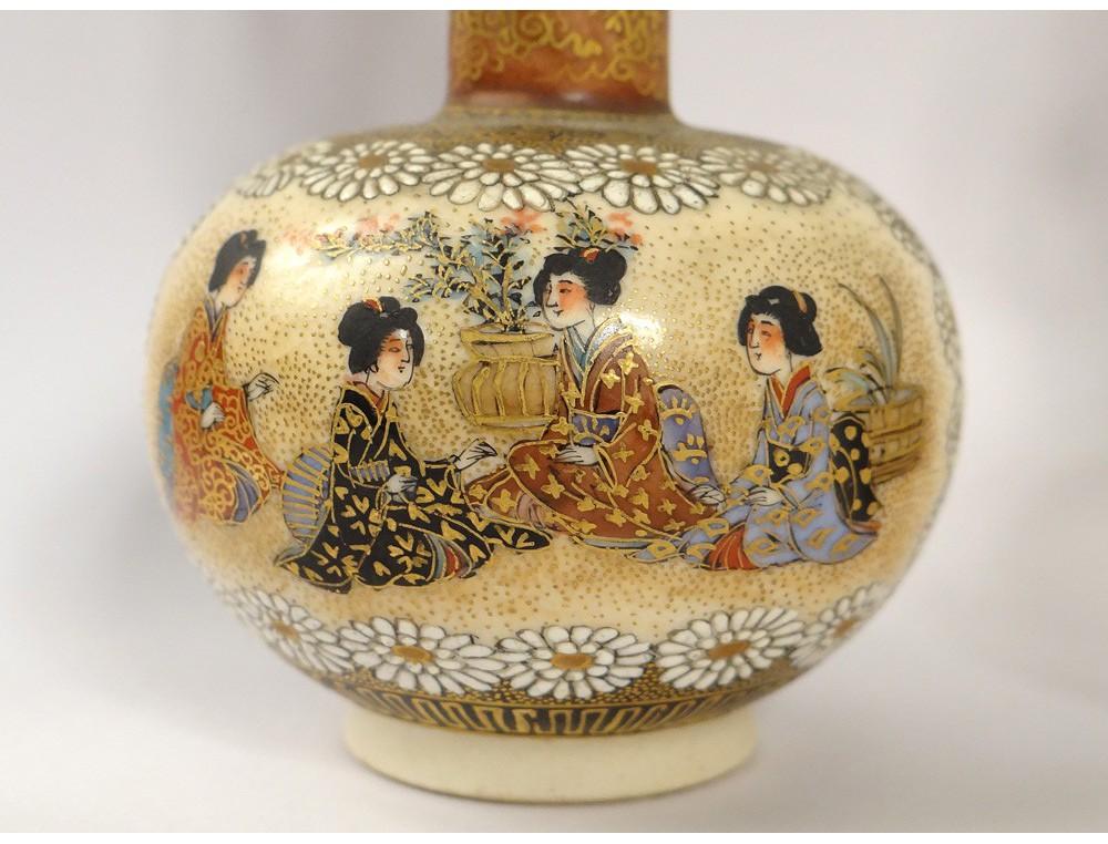 Paire Vases Soliflores Porcelaine Satsuma Japon Femmes