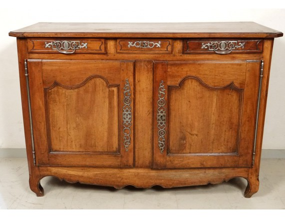 superb buffet louis xv carved walnut rustic wrought iron. Black Bedroom Furniture Sets. Home Design Ideas