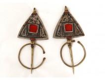 Paire fibules laiton nielle verre rouge Maroc Ygherm Taroudannt XXè siècle